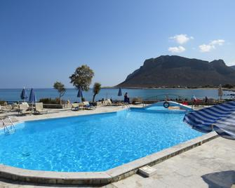 Blue Beach Villas Apartments - Stavros - Piscina