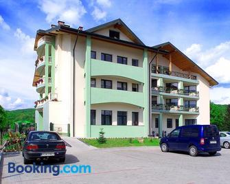 Hotel i Restauracja Bona - Sanok - Building