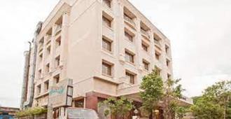 Kalyan Residency - טירופטי