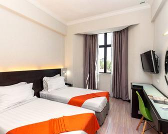 Regalodge Hotel - Ipoh - Bedroom