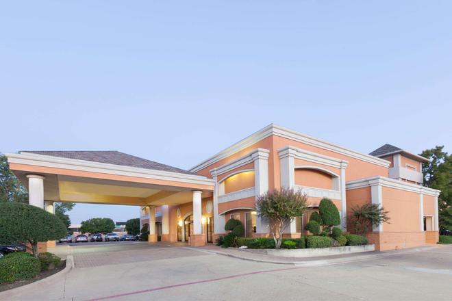 歐文格雷普韋恩沃思堡機場北戴斯酒店 - 厄文 - 歐文 - 建築