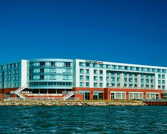 Courtyard by Marriott Erie Bayfront - Erie - Building