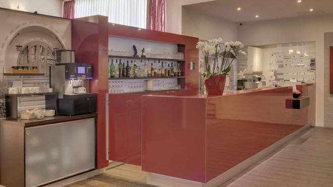 Best Western Hotel Darmstadt - Darmstadt - Bar