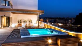 Hotel Zenit San Sebastián - San Sebastian - Svømmebasseng