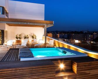 Hotel Zenit San Sebastián - San Sebastian - Pool