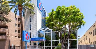 Motel 6 Hollywood - Los Ángeles - Edificio