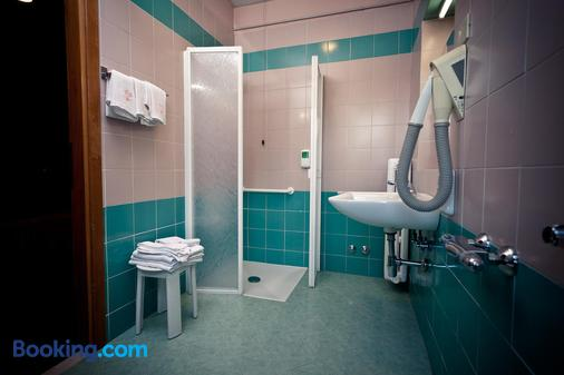Hotel Ambra Palace - Pescara - Bathroom
