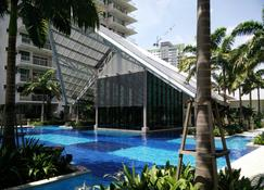 Indah Alam Vacation Home - Shah Alam - Pool