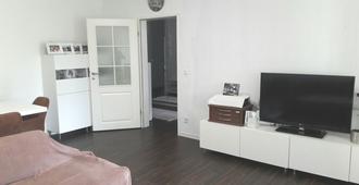 Private Apartment Kardinal-Galen-Hof - Hannover - Living room