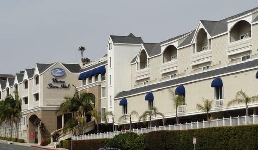 Best Western PLUS Marina Shores Hotel - Dana Point - Building