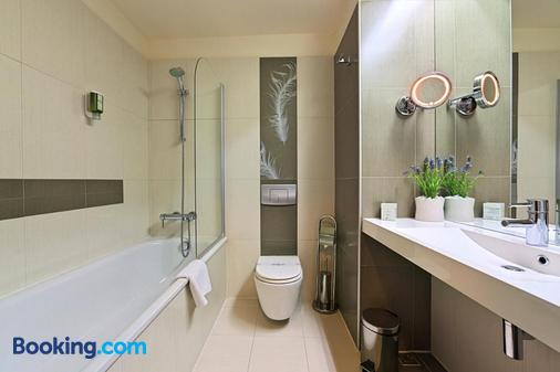 Hotel Cubix - Braşov - Bathroom