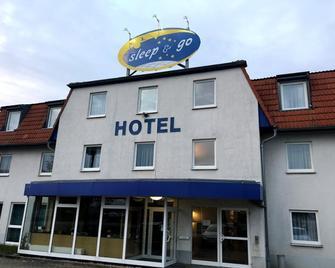 Hotel Sleep & Go Schönebeck - Шьонебек - Building