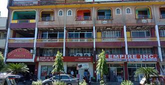Garcia Legaspi Mansion - Pueblo de Calivo - Edificio