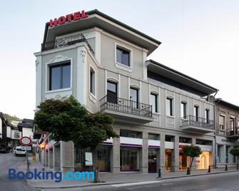 Executive Rooms and Suites Play - Veliko Tarnovo - Building