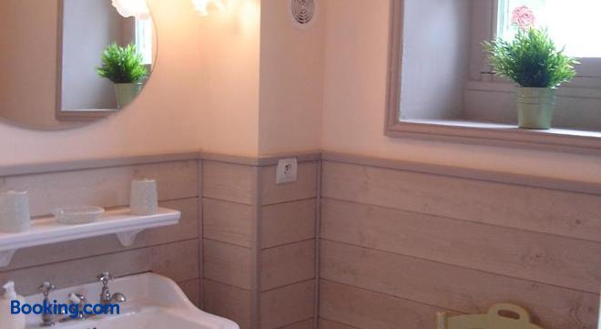 La Maison de Jeanne - Thiézac - Bathroom