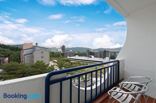 Benikea Swiss Rosen Hotel - Gyeongju - Balcony