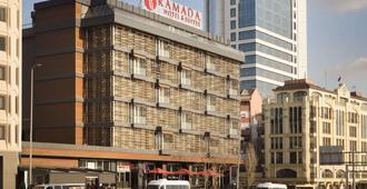 Ramada Hotel & Suites by Wyndham Istanbul Sisli - Istanbul - Rakennus