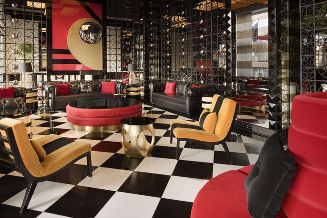 Ramada Hotel & Suites by Wyndham Istanbul Sisli - Estambul - Sala de estar