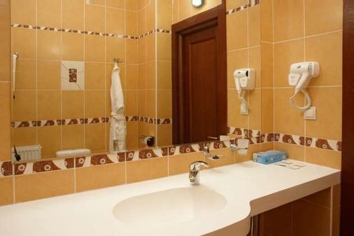 Park Hotel - Kharkiv - Bathroom