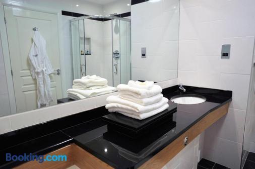 Connemara Coast Hotel - Galway - Bathroom