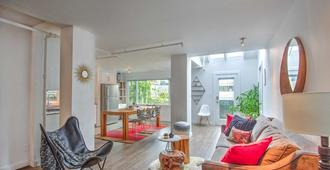 A True Home- Blocks To Kits Beach And 4th Ave, Minutes From Downtown And Ubc - Vancouver - Sala