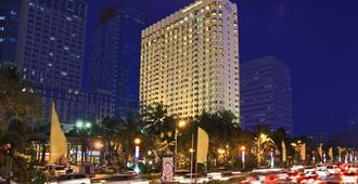 Diamond Hotel Philippines - Manila - Building