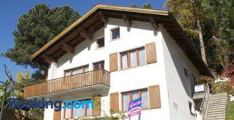 Chesa Albris Bed & Breakfast - St. Moritz - Building