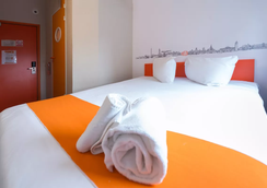 easyHotel Glasgow City - Glasgow - Bedroom
