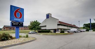 Motel 6 Cedar Rapids - Сидар-Рапидс
