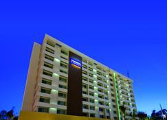 Staybridge Suites Guadalajara Expo - Guadalajara - Building