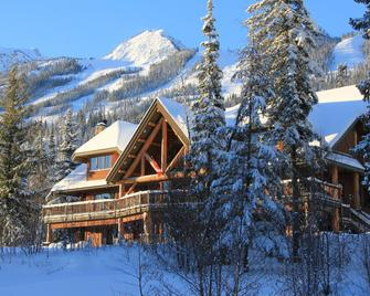Vagabond Lodge At Kicking Horse Resort - Голден - Здание