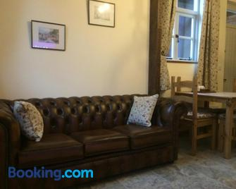Woodleighton Cottages - Uttoxeter - Living room