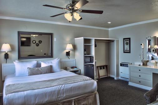 Lovers Point Inn - Pacific Grove - Bedroom
