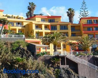 Hotel Apartamento Cais da Oliveira - Santa Cruz (Madeira) - Building