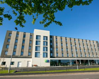 Holiday Inn Express Bridgwater - Bridgwater - Gebouw