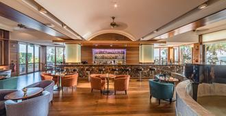 Columbia Beach Resort - Limassol - Bar