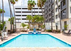 Holiday Inn Tampa Westshore - Airport Area - Tampa - Piscina