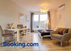 Internesto Apartments Spilberk - Brno - Living room