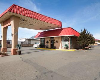 Econo Lodge Dalhart Hwy 54 - Hwy 287 - Dalhart - Building