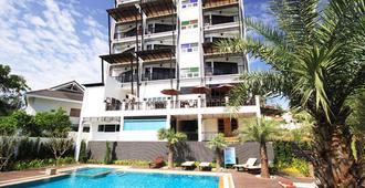 Dee Andaman Hotel - קראבי