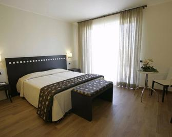 Hotel San Marco Fitness Pool & Spa - Verona - Bedroom