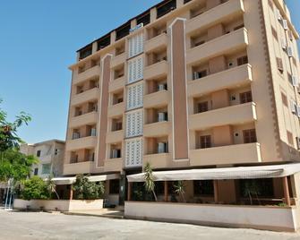 Adriatica Hotel - Мерса-Матрух - Building