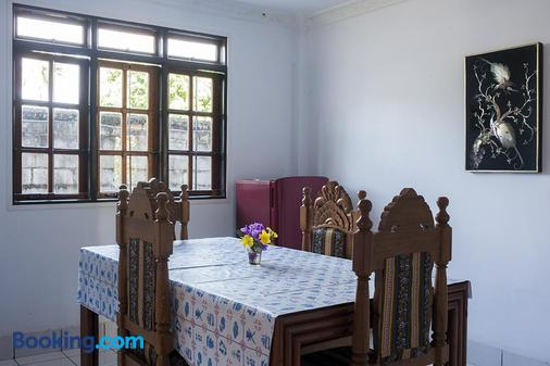 Sendowan Baru Amurang - Amurang - Dining room
