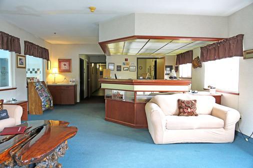 Americas Best Value Inn & Suites Forest Grove Hillsboro - Forest Grove - Front desk