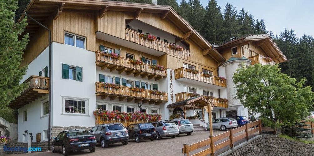 booking 316865 54932475 image - Hotel La Pineta Selva Di Val Gardena
