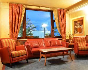 Hotel Residence Il Gabbiano - Ciro Marina - Sala de estar