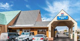 Rodeway Inn East - Albuquerque - Building