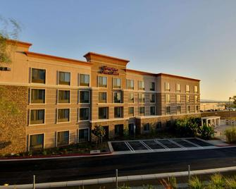 Hampton Inn & Suites Moreno Valley - Moreno Valley - Building