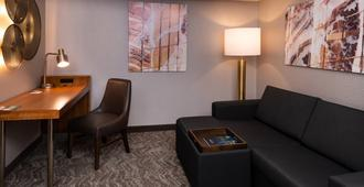 SpringHill Suites by Marriott Pittsburgh North Shore - Pittsburgh - Living room