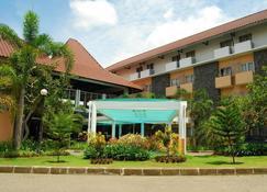 University Hotel - Yogyakarta - Gebäude